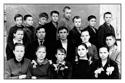 С.М.Кушаков со своим классом 7-В. Этот класс вёл с 3-го класса. (Весна 1966 г.)