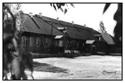 Исменецкая средняя школа. Вид со двора.